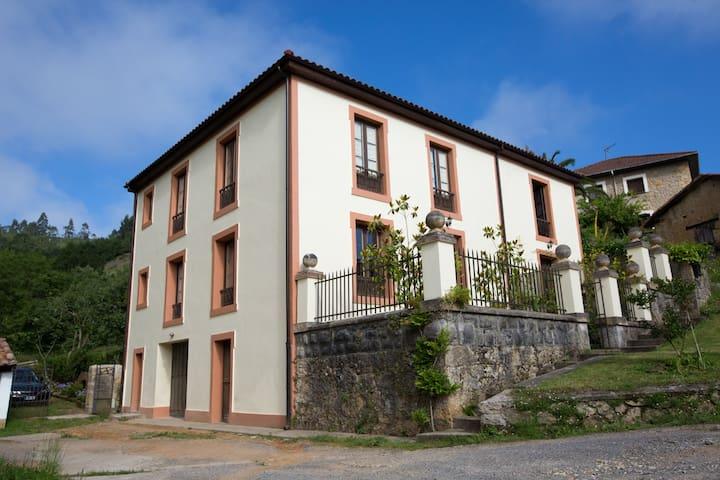 Casona rural en Cangas de Onís - Cangas de Onís - Casa