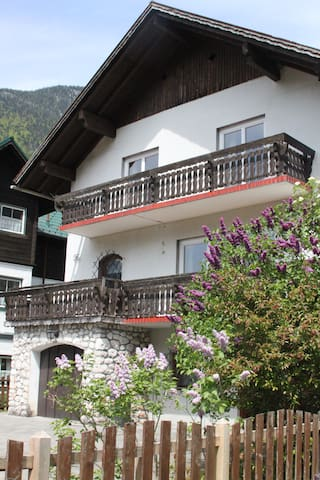 Spacious villa 5 min from Hallstatt