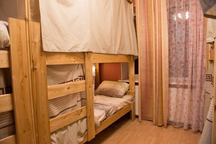 Койко-место в шестиместном женском номере