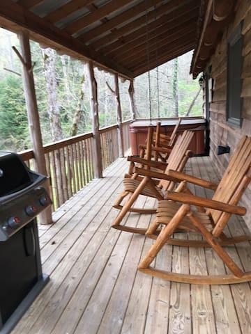 Cavender Creek Cabins Cabin 10