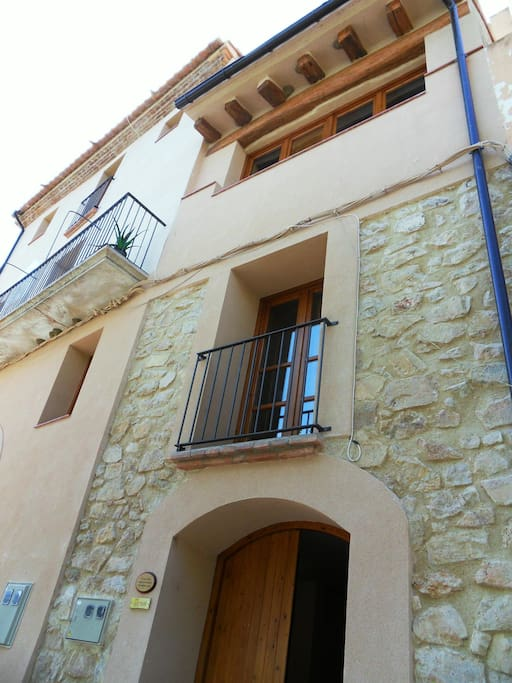 Casa Petita Townhouse in Miravet