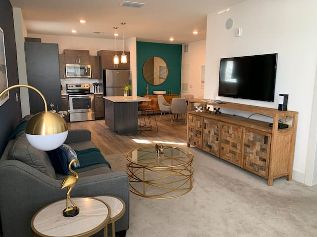 Luxury apt near Disney, Margaritaville & Universal