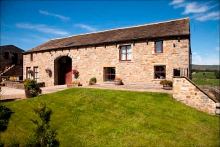 Luxury Cottage in Yorkshire Dales, nr Malham