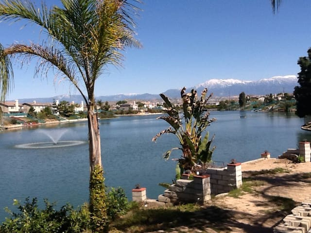 Lake front house / fishing,boating - Moreno Valley - Dom