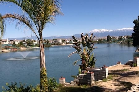 Lake front house / fishing,boating - Moreno Valley - Huis