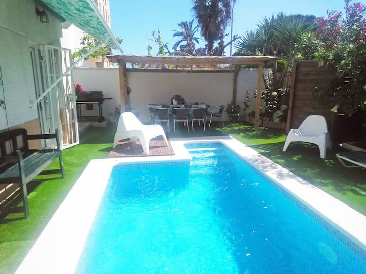 Cambrils villa 8 /10pers piscine privée.  50m Mer
