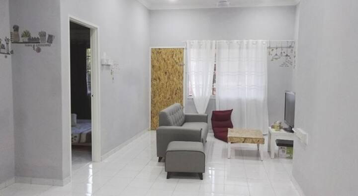 Batu Pahat Free& Easy Room- 2Rooms for 3-4ppl