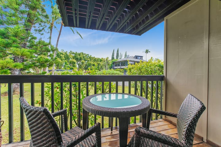 Outdoor dining: savor a meal in the garden on the covered lanai off the living room.