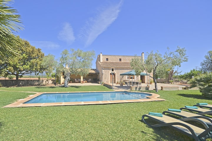 CARRATXET - Big swimming pool and garden in Buger