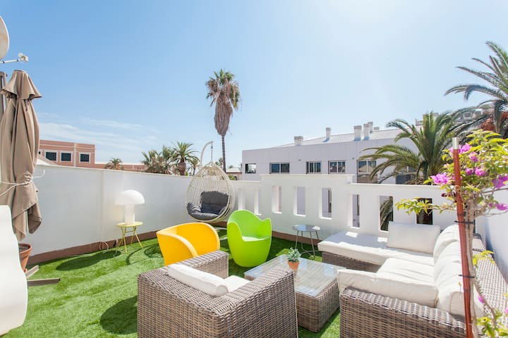 FANTASTIC HOUSE WITH POOL IN VALENCIA BEACH