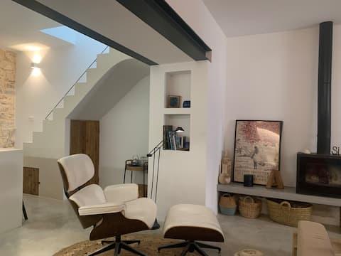 Ca Naia, charming house with minimal & chic taste.