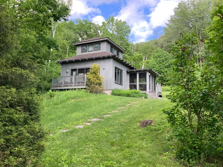 Tanglewood Cottage in the heart of the Berkshires