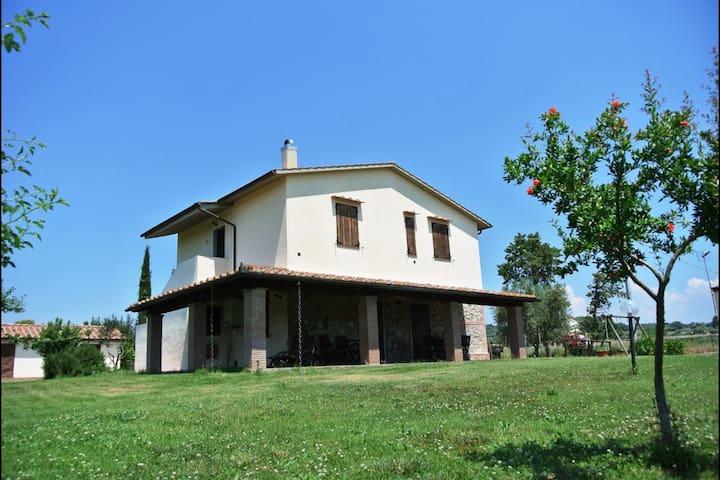 Nonno Tobia - Il Fontanile, sleeps 4 guests - Magliano in Toscana