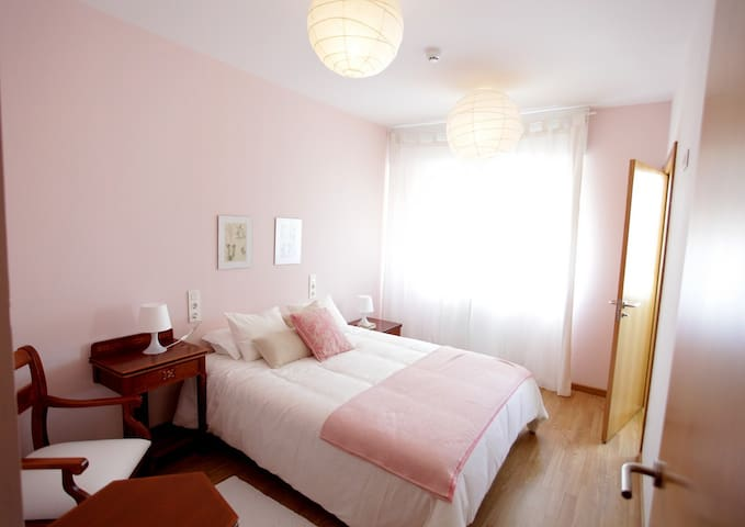 Habitación con baño en precioso chalet en la playa