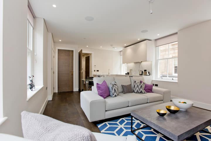 Modern and Elegant 1 Bed & 1 Bath  Covent Gardens