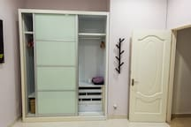 4th bedroom - wardrobe