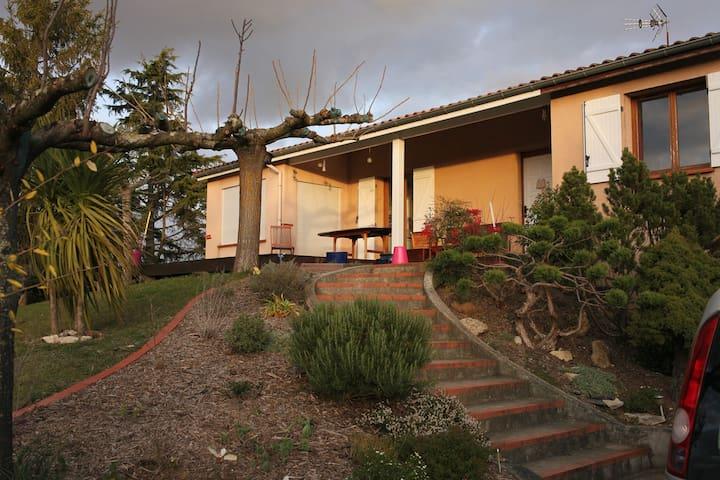 Maison 7/10 personnes lauragais proche Toulouse - Deyme - House