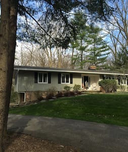House rental for RNC,  1 week only July 16 - 23 - Chagrin Falls - 独立屋