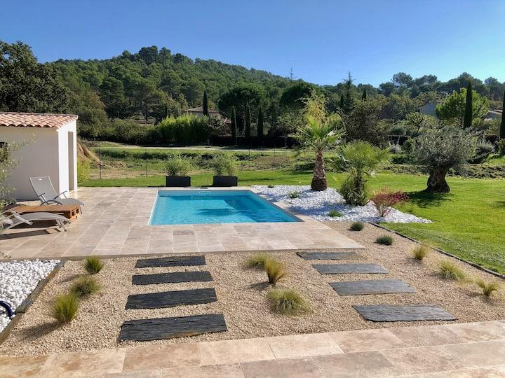 Villa rental in the heart of the Aix vineyards