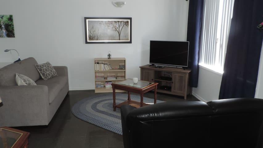 Grand appartement 2 chambres haut de gamme - Métabetchouan-Lac-à-la-Croix - Íbúð