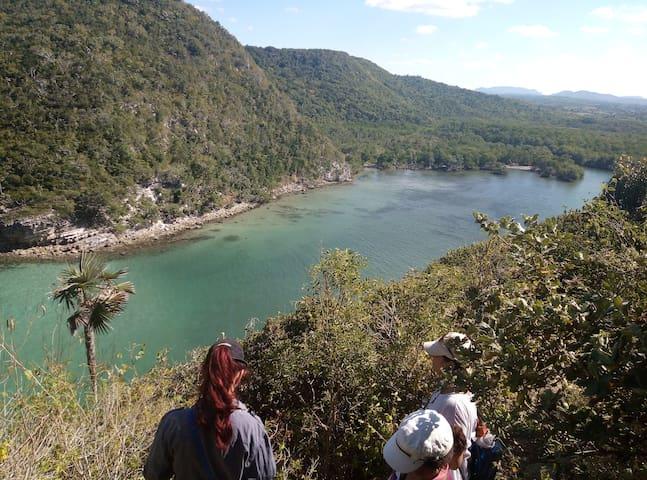 IIMontecorales mar, río, montaña, playa y Corales
