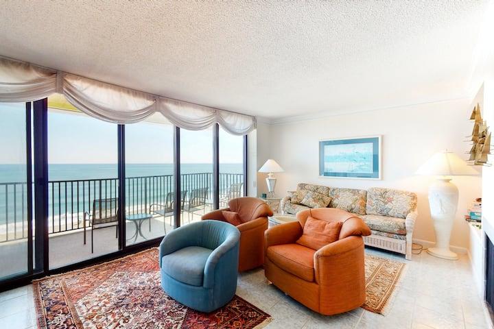 Sea Colony Ocean 15th floor condo w/ pool, free WiFi, and gym