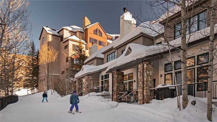 Inviting Slopeside 3BR  + Ski-in/ Ski-out + Exclusive Highlands Neighborhood - Chalet Verve