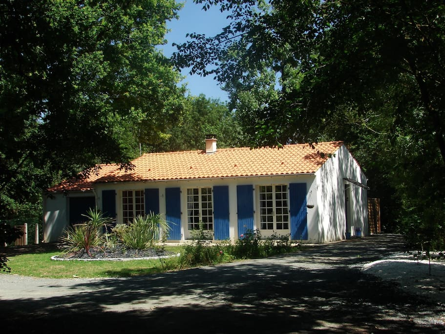 Au calme du marais houses for rent in nalliers pays de for Garage du marais sucy