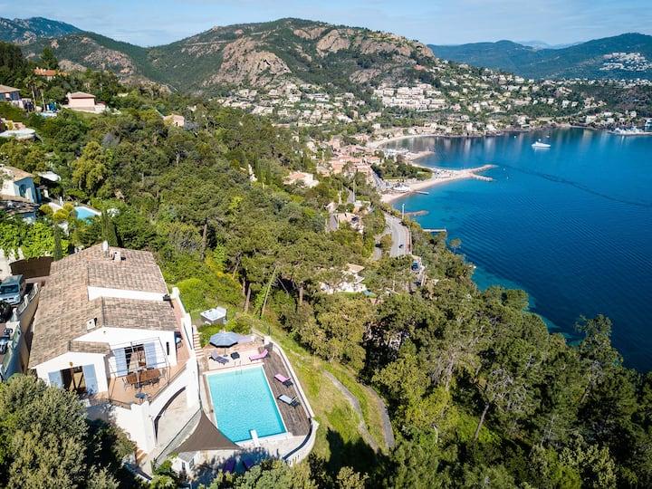 Villa vue mer panoramique sur la baie de Cannes
