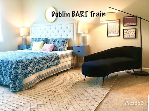 Luxury king /Attached Bath Walk to Dublin BART