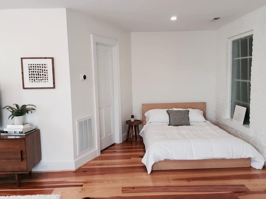 Large bedroom+lounge