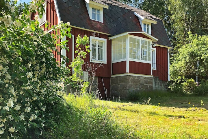 6 person holiday home in HALLABRO
