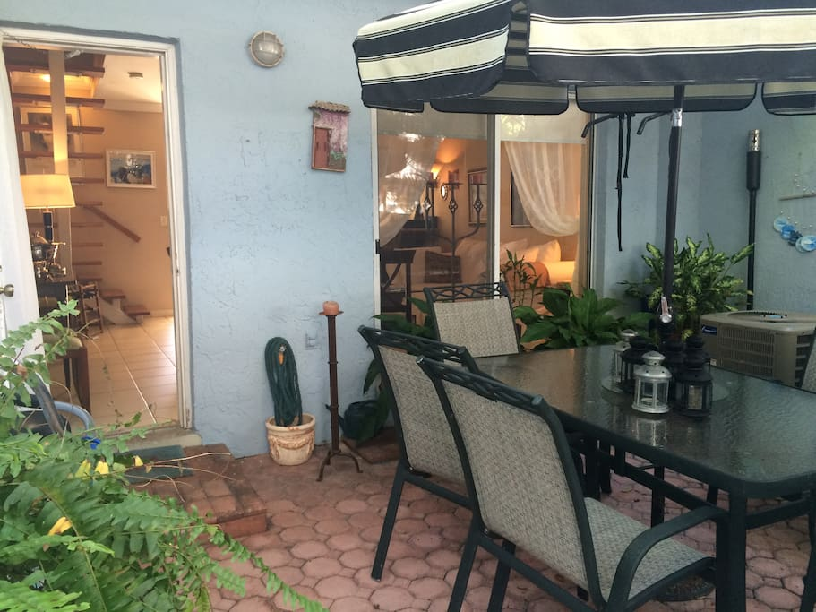 backyard enclosed terrace for al fresco dinning and entertaining!