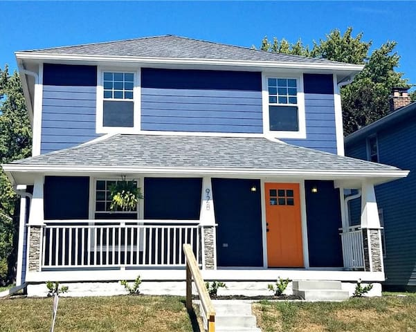 Large Private remodeled house close to downtown