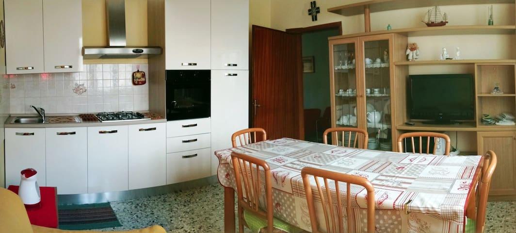 Casa con giardino, cultura e relax