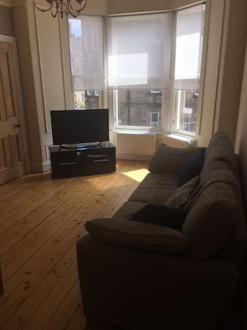 Double room in 2 bed Edinburgh flat, Morningside. - Edimburg - Pis