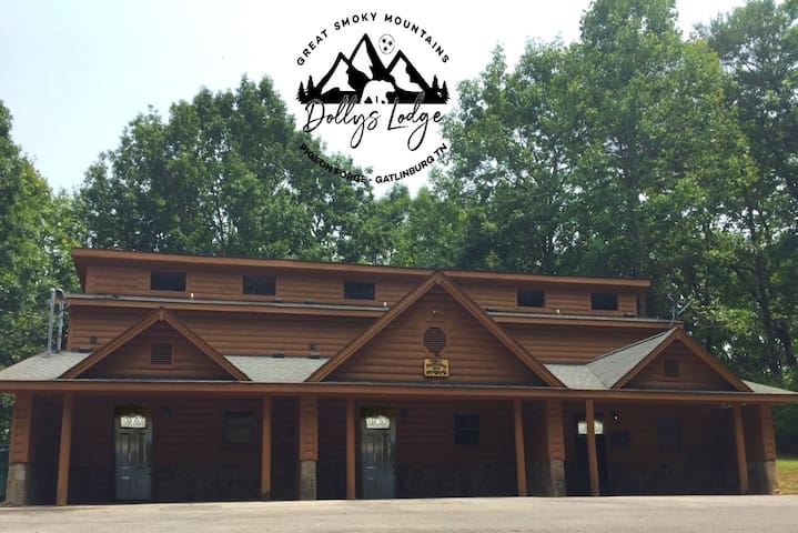 Dollys Lodge 1 ★Affordable Modern Luxury★All NEW