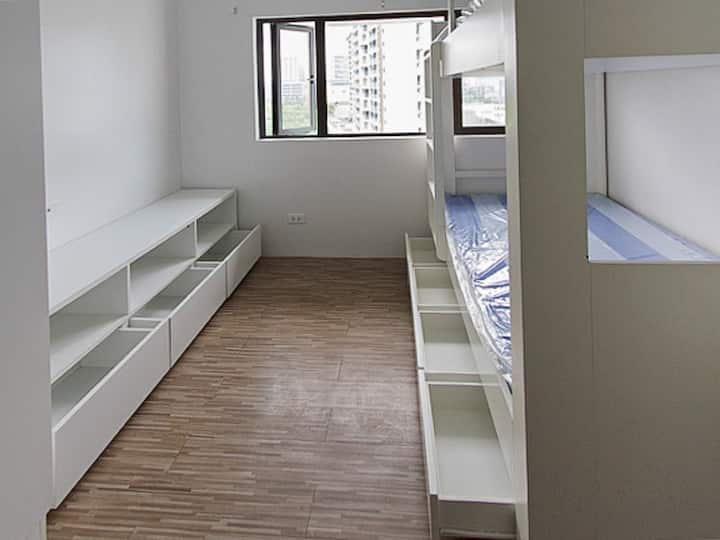 Private Studio at the center of Alabang