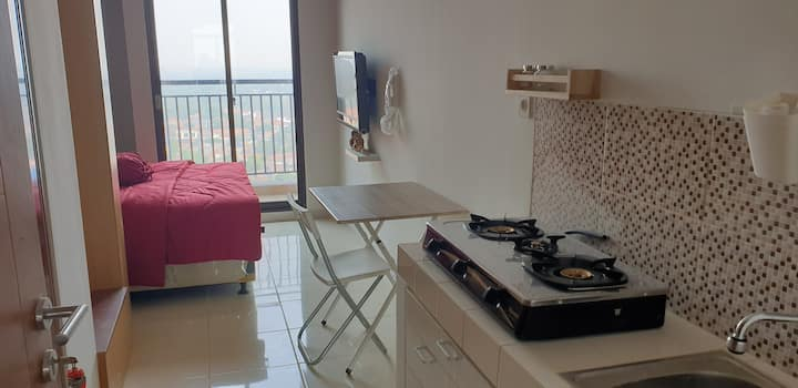 newly furnished apartment, 5 minutes walk from UI
