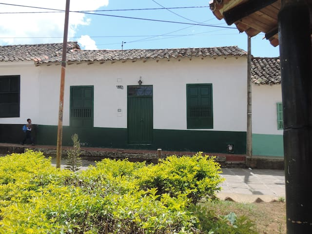 Fachada - Front of the house