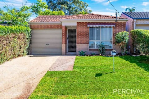 2 BDR house to yourself, close to beaches & CBD