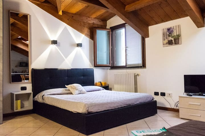 Studio apartment 15 minutes' from Milan
