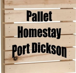 Pallet Port Dickson Homestay with Jacuzzi