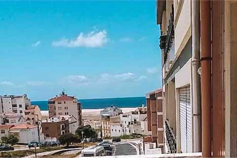 Figueira da Foz bright flat - sea's view (100m2)