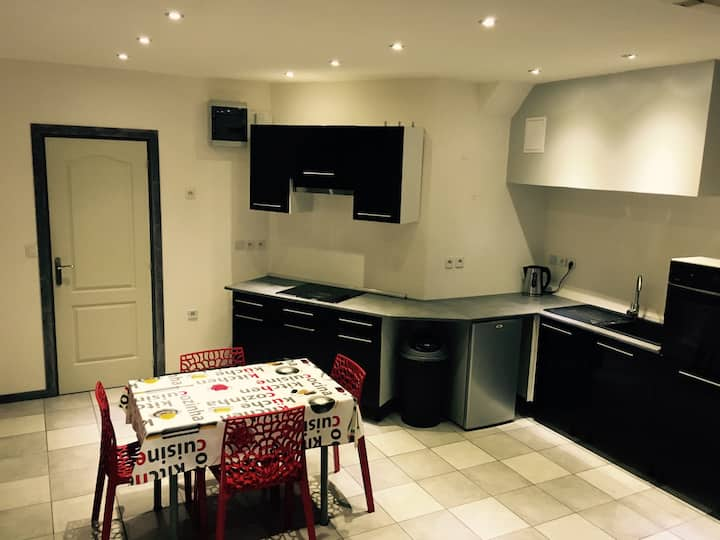 APPARTEMENT COMPLET 1-4 pers