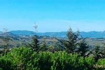 Veduta monti Sibillini e Recanati dalla finestra di casa