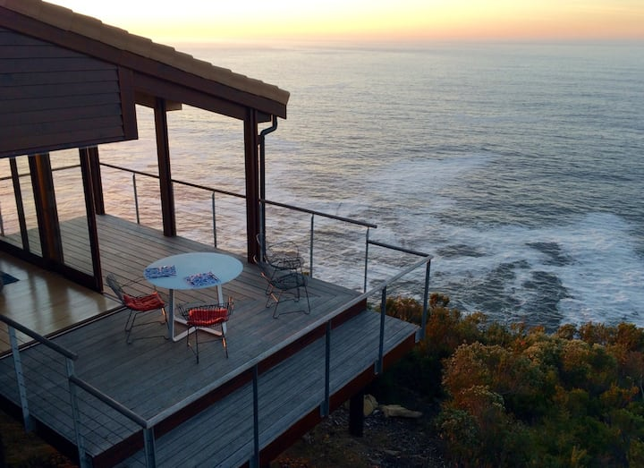 Cliff Top Houses no 8 - Endless sea & forest views