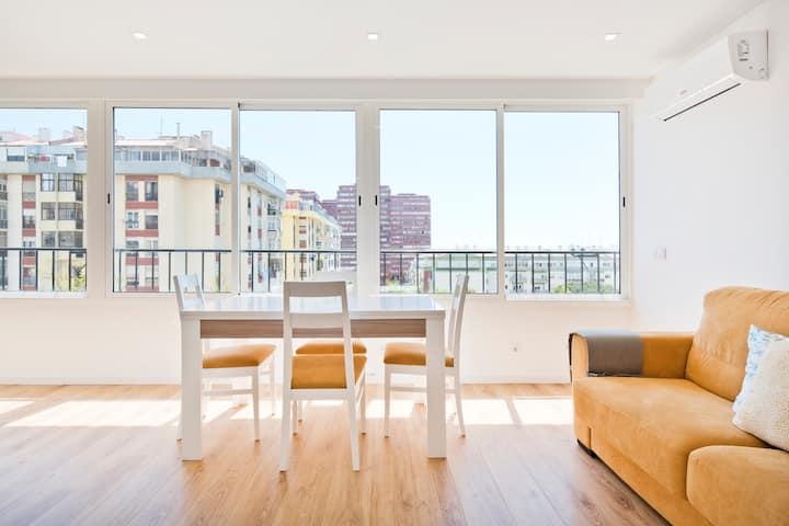 Real Oeiras Sunny Apartment