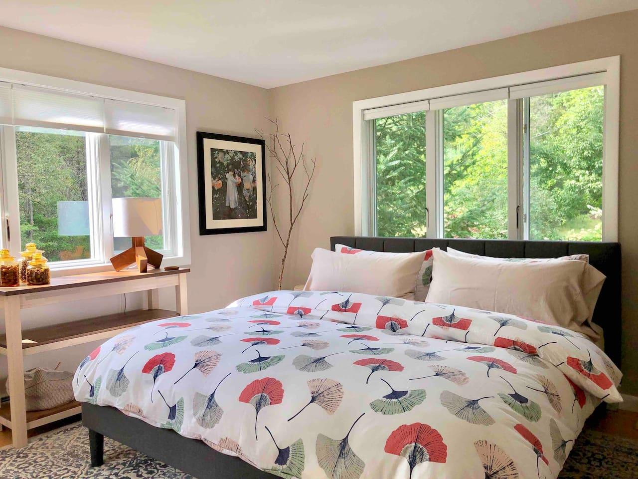 Paper Birch Room at Serene Ecological Mini-Farm