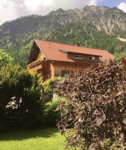 Wohnung im Bergdorf Hinterstein